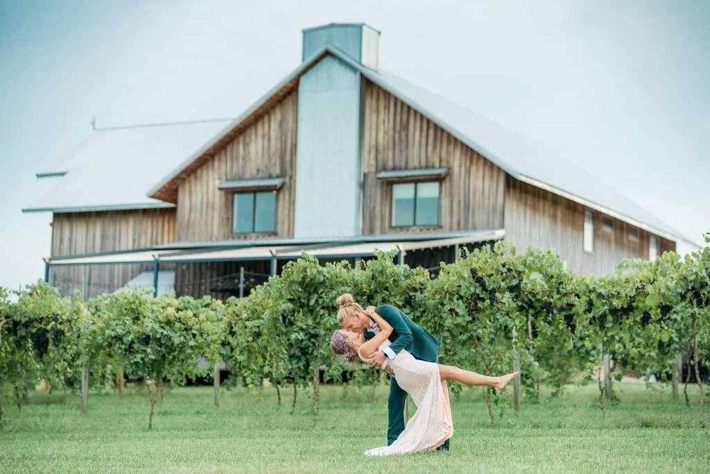Farmer and Frenchman - Henderson, KY Wedding Photography - Emalee + Seth-3